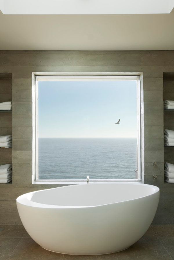 Bathrooms-with-Views-35-1-Kindesign