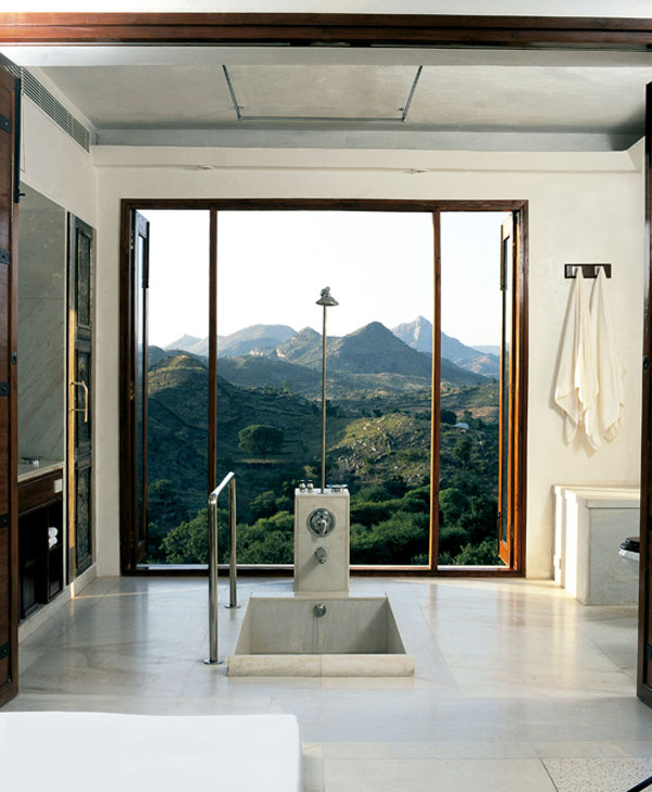 Bathrooms-with-Views-40-1-Kindesign