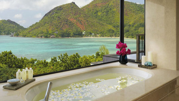 Bathrooms-with-Views-41-1-Kindesign