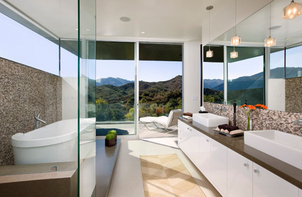 Bathrooms-with-Views-44-1-Kindesign