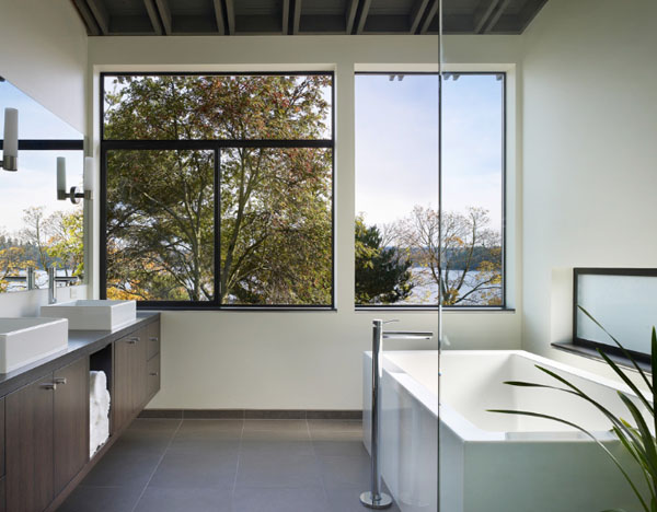 Bathrooms-with-Views-49-1-Kindesign