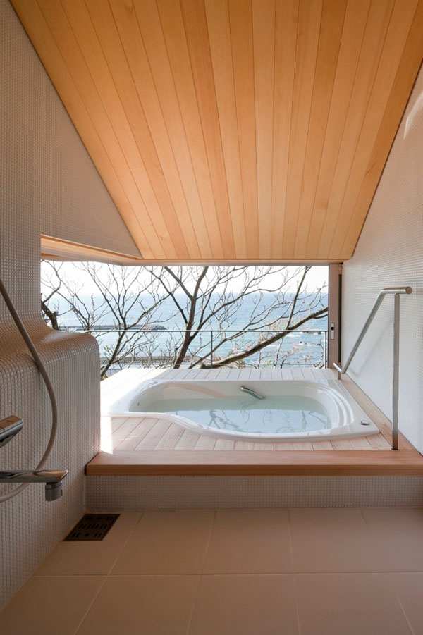Bathrooms-with-Views-58-1-Kindesign