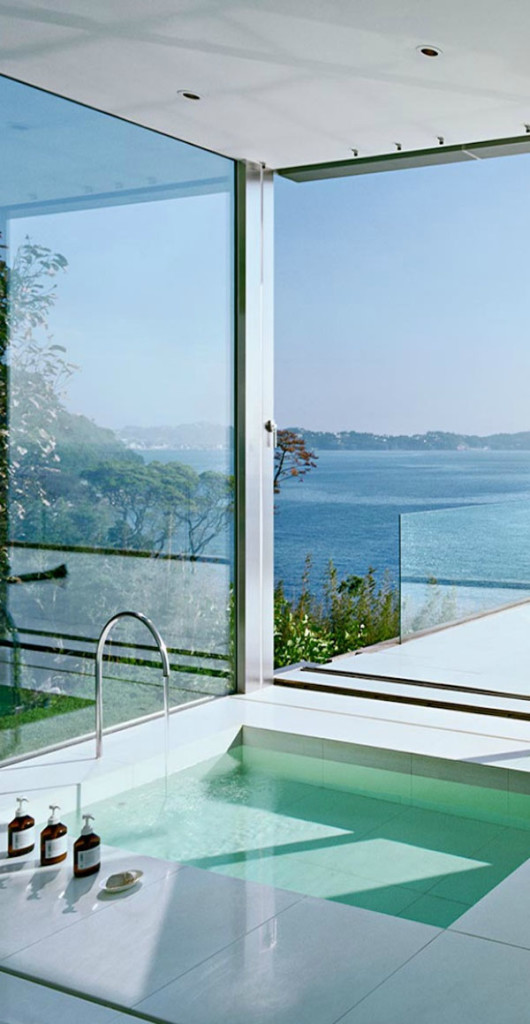 Bathrooms-with-Views-60-1-Kindesign-530x1024