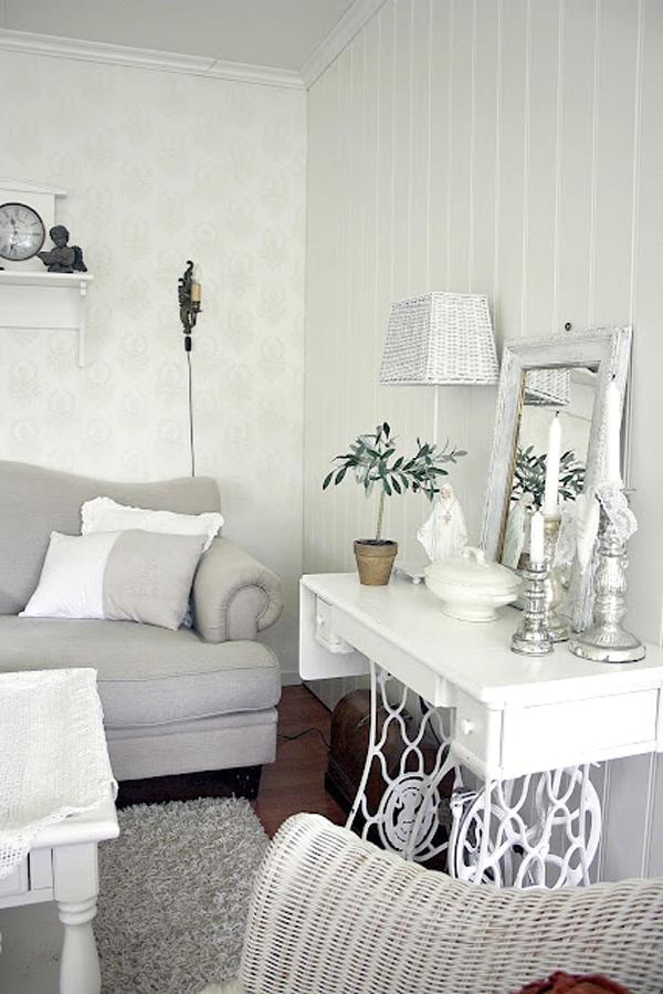 vecchia macchina da cucire ecco come la potresti riciclare. Black Bedroom Furniture Sets. Home Design Ideas