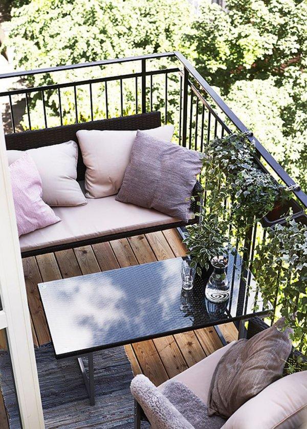 Piccolo balcone: 15 idee per arredarlo con stile