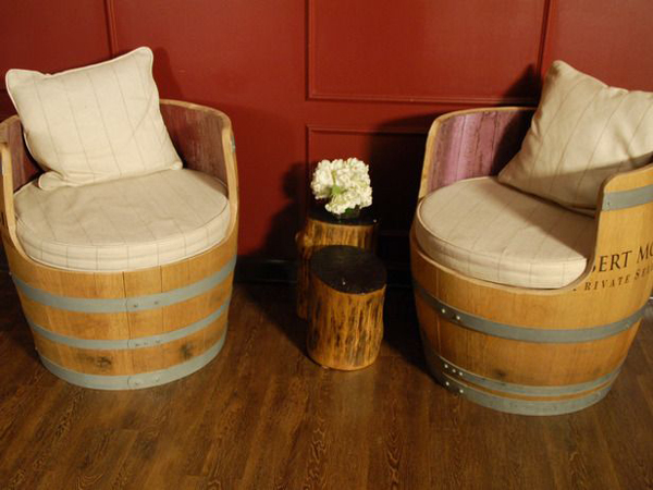Botte di vino 37 idee per trasformarla in un oggetto for Botti in legno arredamento