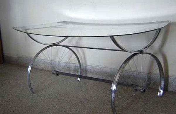 mobile con bicicletta