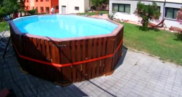 Piastrelle per piscina fai da te design casa creativa e mobili ispiratori - Costruire piscina costi ...