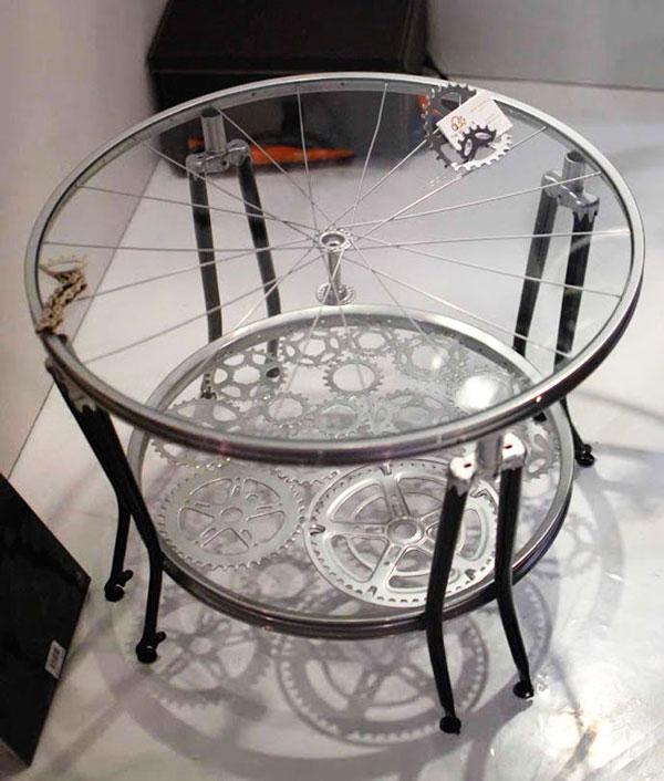 tavolo con ruota bicicletta