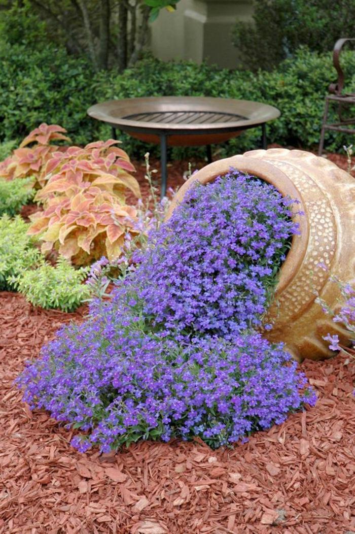 Vasi di fiori 30 idee originali per illuminare il tuo for Fiori da esterno