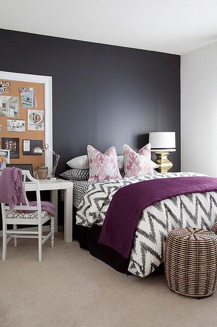 Arredare la camera da letto con il viola 51 idee - Camera da letto bianca e viola ...