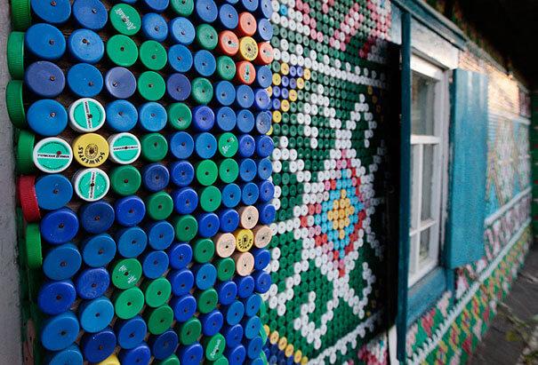 decorazione casa con bottigle di plastica