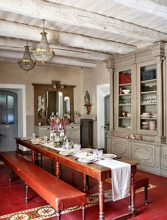 Sala da pranzo provenzale 29 idee stile provenzale for Arredamenti sala da pranzo