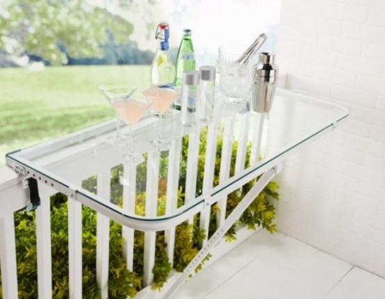 Idee salvaspazio balcone 21 accessori per il balcone for Tavolino per balcone