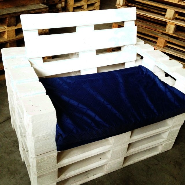 Voici 18 id es g niales pour fabriquer un fauteuil avec - Fabriquer fauteuil en palette ...
