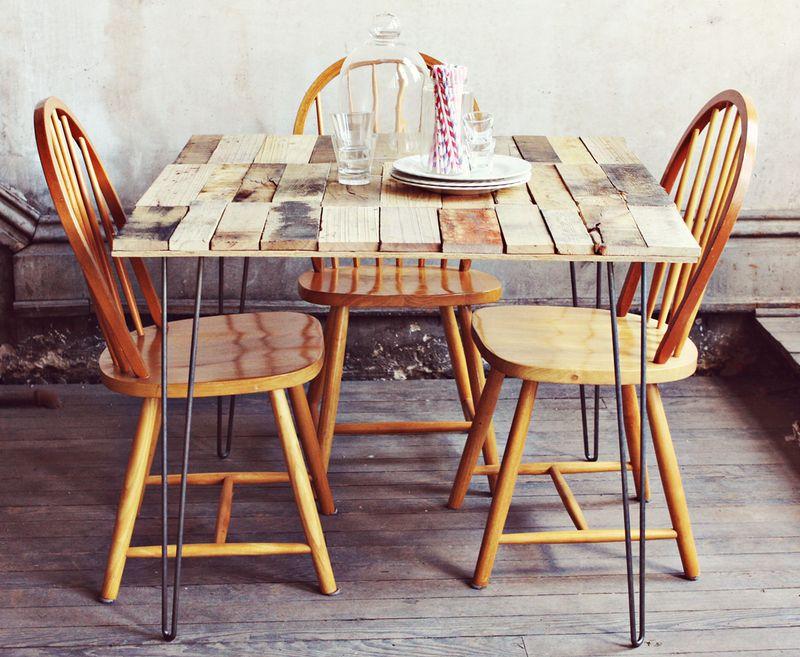 ... bellissimo tavolo in stile provenzale con i pallet, guarda il tutorial
