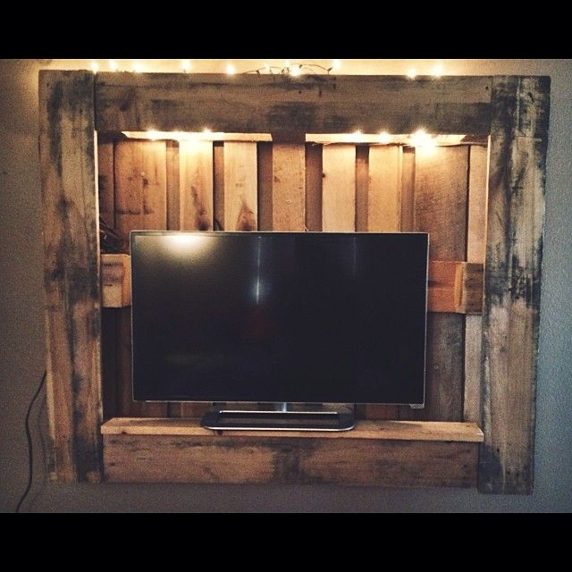 Porta tv con pallet pc13 pineglen - Mobile tv fai da te ...