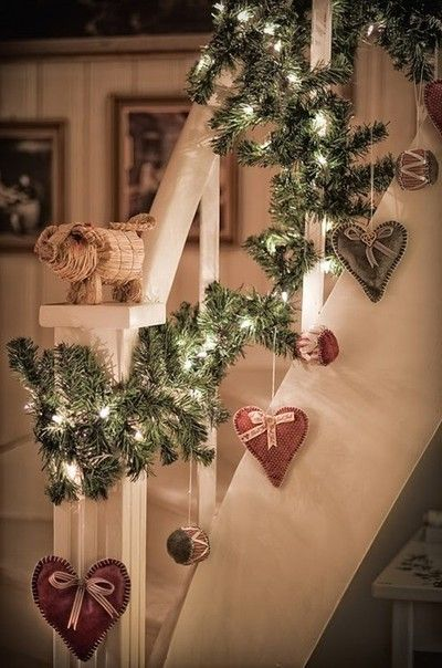 Decorare le scale per Natale