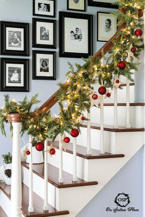 decorazione scale natale 13