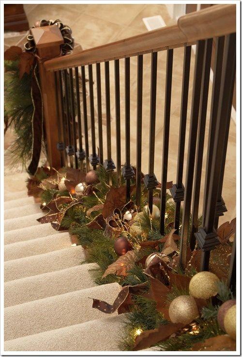 decorazione scale natale 18
