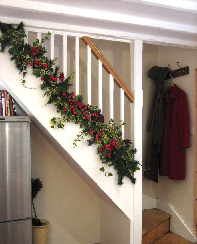 Decorating Stairs Christmas 3