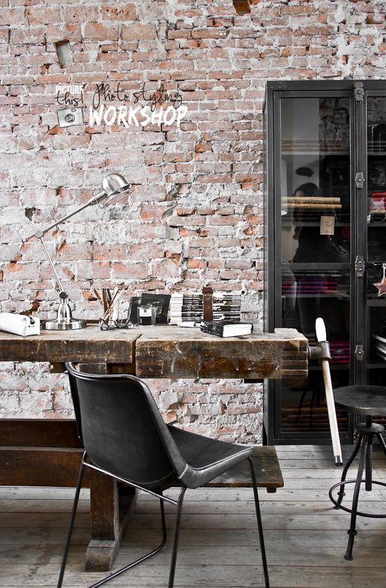 Arredo ufficio in stile industriale 26 idee lasciatevi for Brick wallpaper office