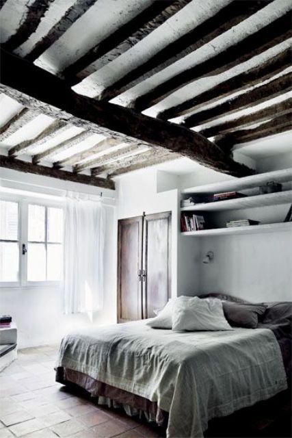 Travi in legno in camera da letto! Ecco 20 idee di arredamento