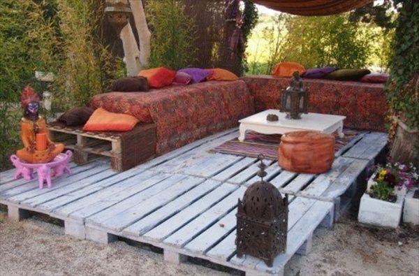 un pavimento esterno con i pallet pavimento fai da te in giardino ...