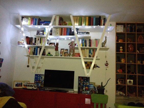 Libreria fai da te con materiale di riciclo – Idea n° 18