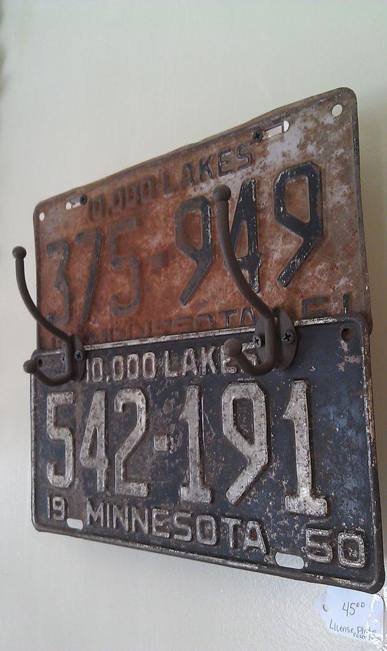 decorazione con vecchie targhe macchine 10