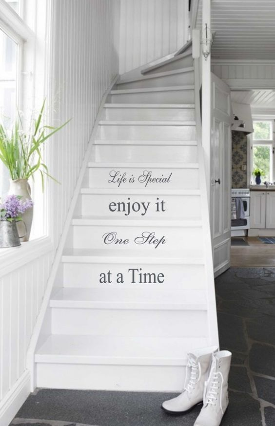 decorazione scale casa 15
