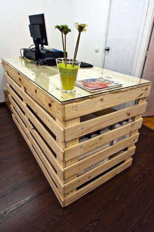 Escritorio de bricolaje con palets 20 ideas creativas - Como hacer una mesa escritorio ...