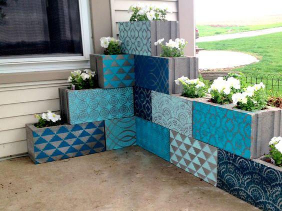Blocchi di cemento fioriti 20 idee per decorare il for Semplici piani di casa in blocchi di cemento