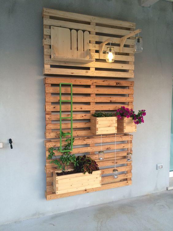 Super fioriere con bancali di legno zo13 pineglen for Costruire fioriera legno