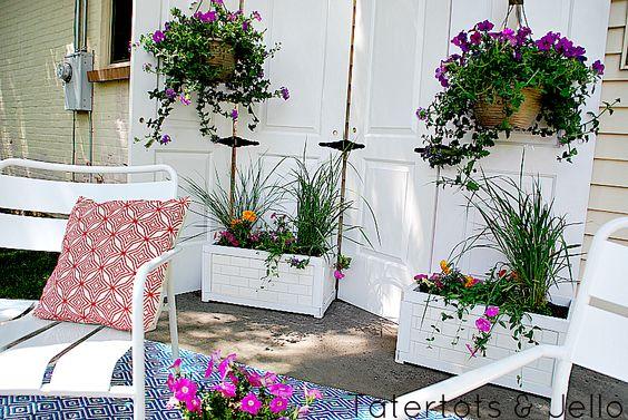 Riciclo creativo vecchie porte per decorare il giardino – Idea n° 1