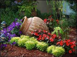 Vaso creativo nel giardino ecco 20 idee a cui ispirarsi for Anfora giardino