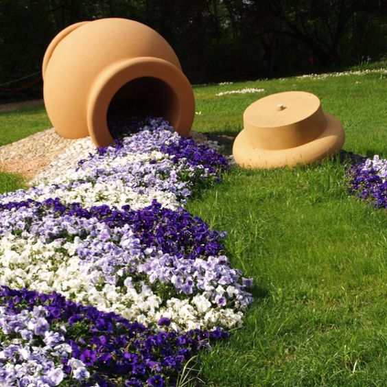 Vaso creativo nel giardino