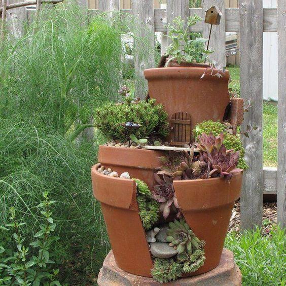 jardines miniatura con macetas rotas idea 3