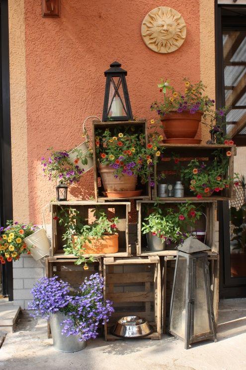 Decorare il giardino con le cassette di legno 20 idee for Manualidades para casa rustica