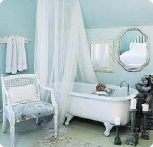Stile shabby chic colore azzurro 20 idee a cui ispirarsi - Bagno provenzale shabby ...
