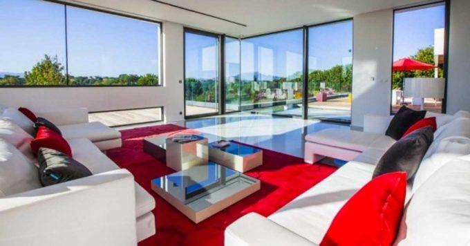Abbinare bianco e rosso nel salone 20 idee per ispirarvi for Colori per salone