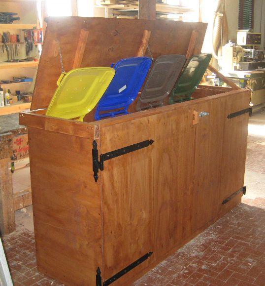 Sistemare i secchi della raccolta differenziata 20 idee for Contenitori immondizia ikea