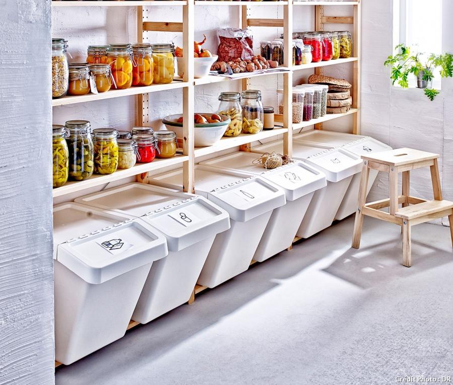 sistemare i secchi della raccolta differenziata 20 idee. Black Bedroom Furniture Sets. Home Design Ideas