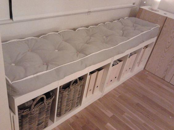 usare gli scaffali ikea in modo originale 30 idee. Black Bedroom Furniture Sets. Home Design Ideas