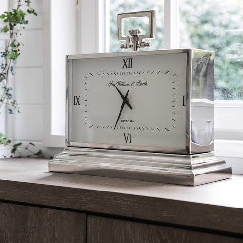 Orologi da parete realizzati con pallet 20 idee creative - Horloges maison du monde ...