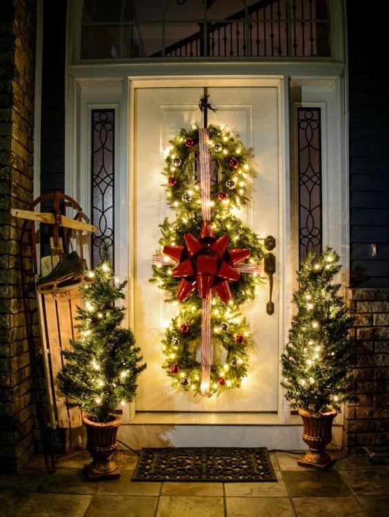 Decorazioni natalizi esterne 16 ideadesigncasa for Decorazioni esterne giardino