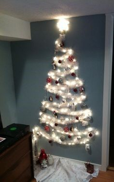Un albero di luce per natale 20 idee lasciatevi ispirare for Idee per albero di natale