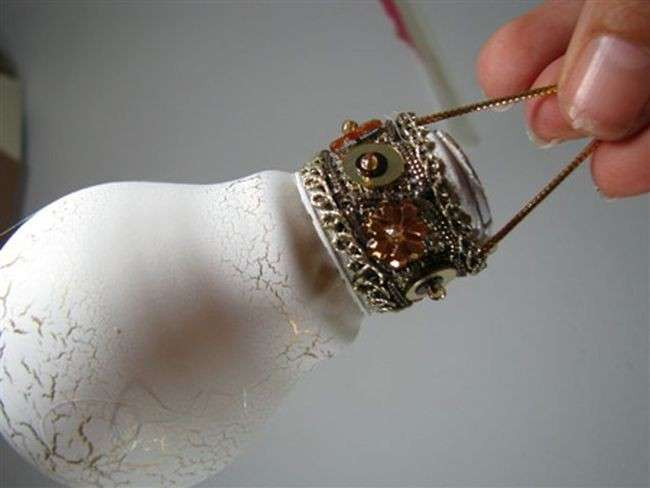 Palline Natalizie fai da te con vecchie lampadine! 20 idee + tutorial...