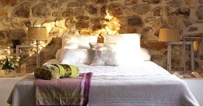 Decorare una parete con le pietre in camera da letto 20 for Camera da letto uomo