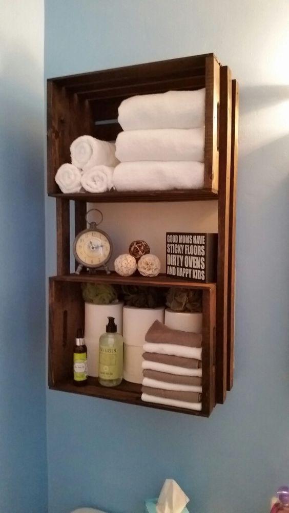 mobile a parete per il bagno con cassette, porta carta igienica e porta asciugamani